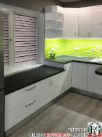 K015 - Кухня: Бял гланц, Grey Pietra Marble, Дъга_2