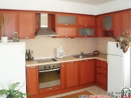 K002 - Кухня: Череша и имитация на мрамор