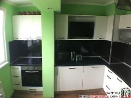 K003 - Кухня: Снежно бяло фладер и Аполон черен гланц_3