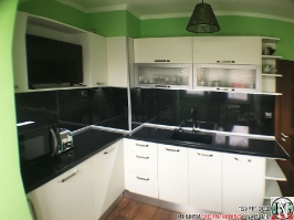 K003 - Кухня: Снежно бяло фладер и Аполон черен гланц_4