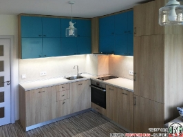 K006 - Кухня: Мармара синьо, дъб нагано и Авалон крем
