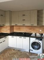 K011 - Кухня: White Coastland Oak, Мрамор лаурент и гранит Black Cosmos