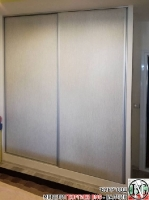 S001 - Гардероби с плъзгащи врати в килерна ниша.